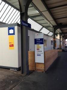 "Geneva's baggage office at Gare Cornavin is temporarily located on the Track 4/5/6 platform toward the ""A"" boarding area"