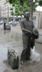 One of 3 lifelike statues at PlainPalais produced in the famous Fonderie Pastori of Carouge